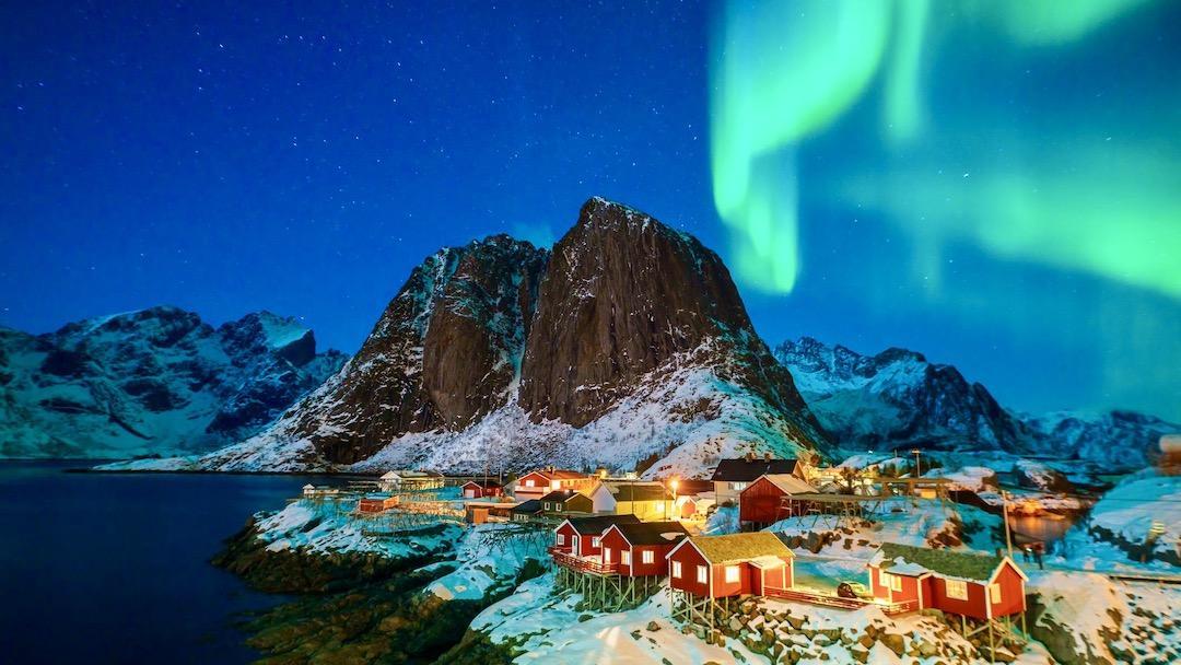 Iceland Collette Tours – Total Advantage - Iceland Village Northern Lights