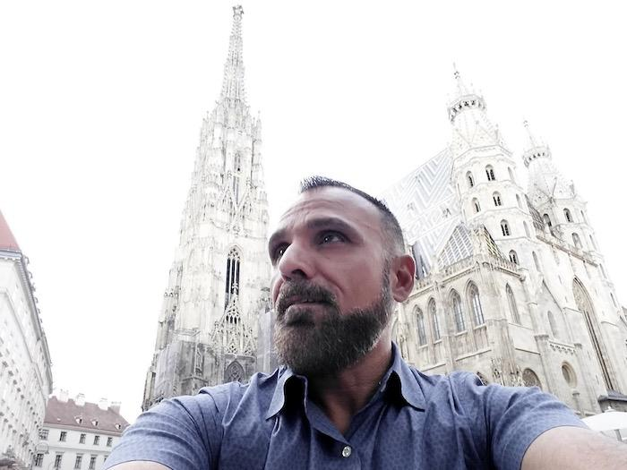 John Zeus - The Stephansplatz - Total Advantage
