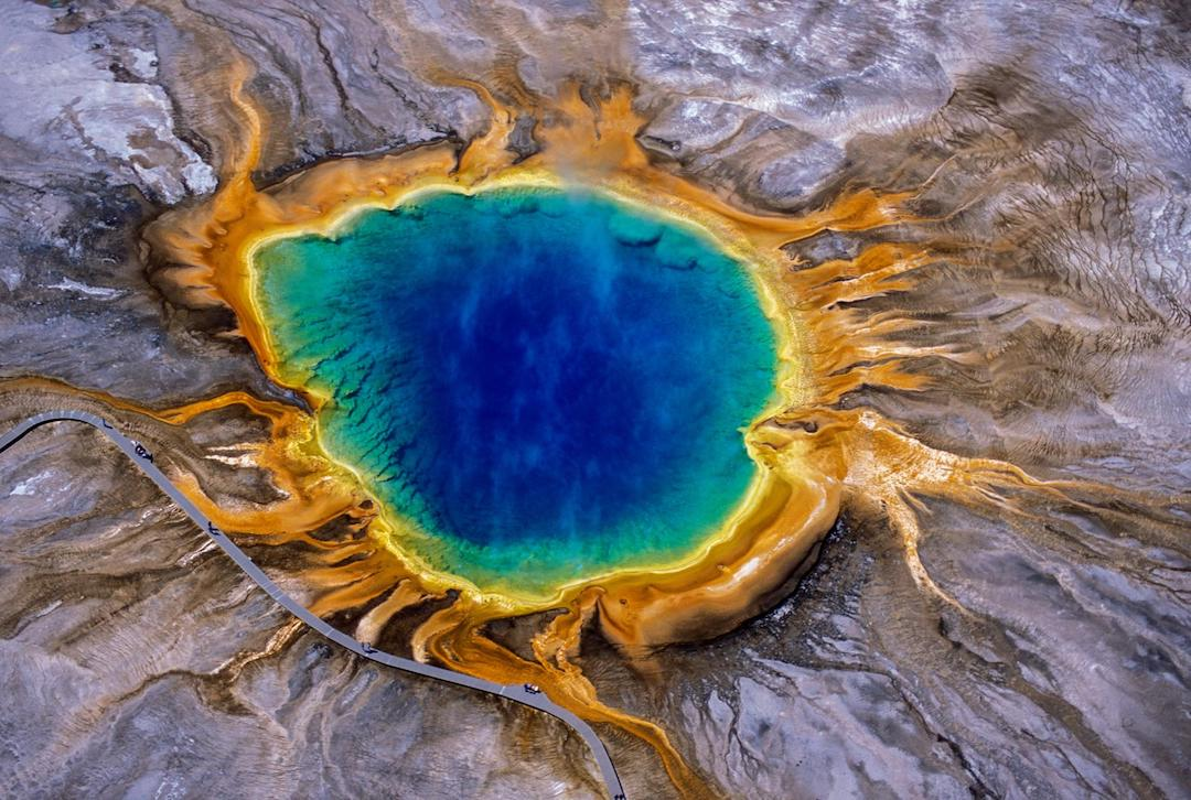 Yellowstone National Park - Wyoming - PLACES TO TRAVEL TO IN 2021
