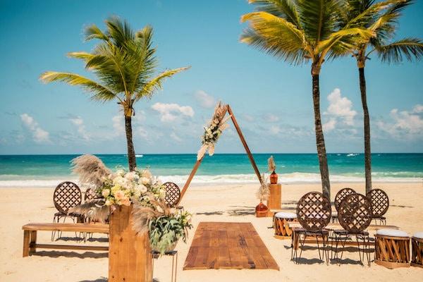 Destination Weddings Total Advantage