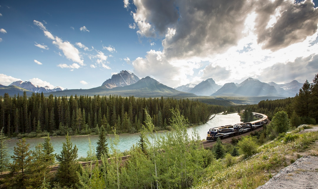 Rocky Mountaineer - Morants - Canadian Rockies